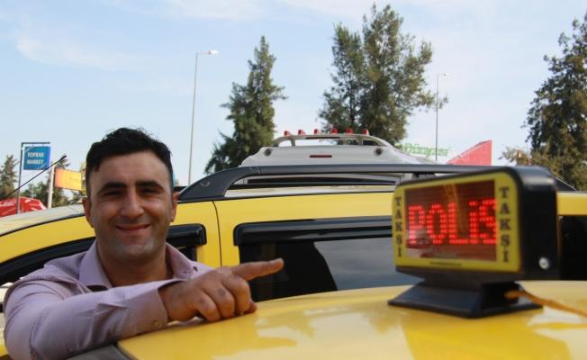 Bu taksiyi gören hemen polisi arayacak