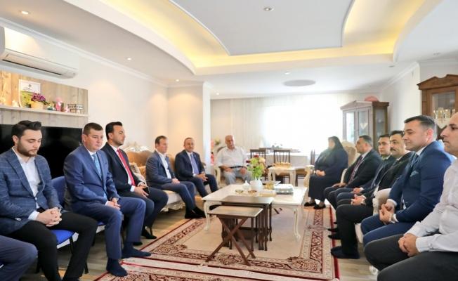 Bakan Çavuşoğlu'ndan Yücel'e taziye ziyareti
