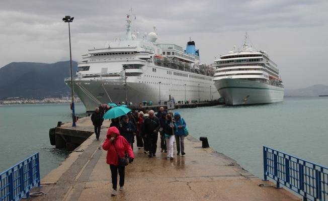 Alanya'da kruvaziyer turizmi devam ediyor