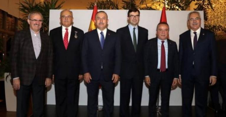Çavuşoğlu müjdeyi verdi: Türkiye'de ilk kez Antalya'da yapılacak