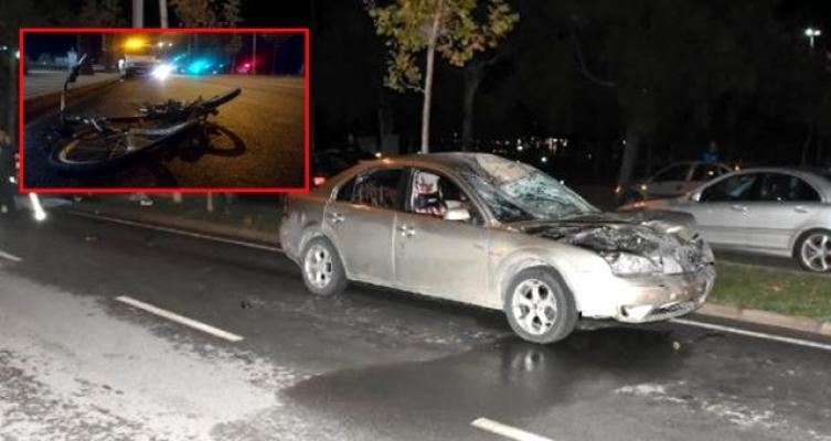 Otomobilin çarptığı bisikletli metrelerce sürüklenip, öldü