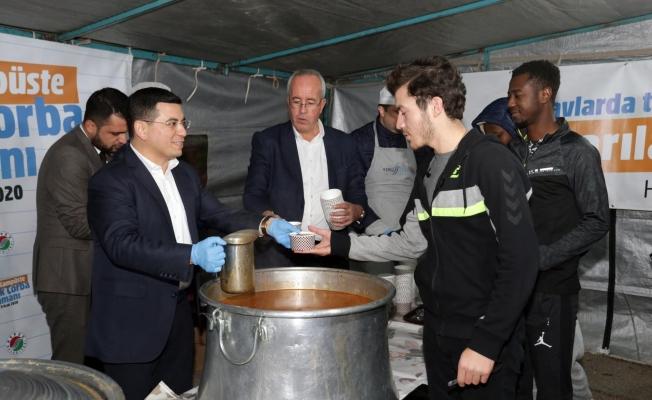 14 bin öğrenciye sıcak çorba ikramı