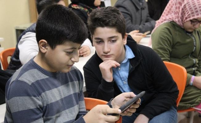 4 lise öğrencisinden geri dönüşümü sevdirecek yerli oyun