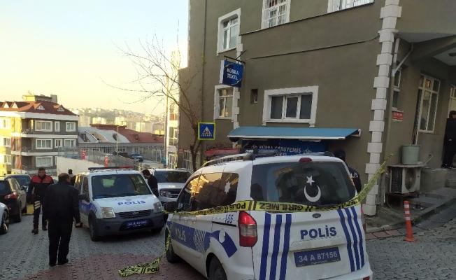 Akrabaların kavgasında araya giren komşu yaralandı
