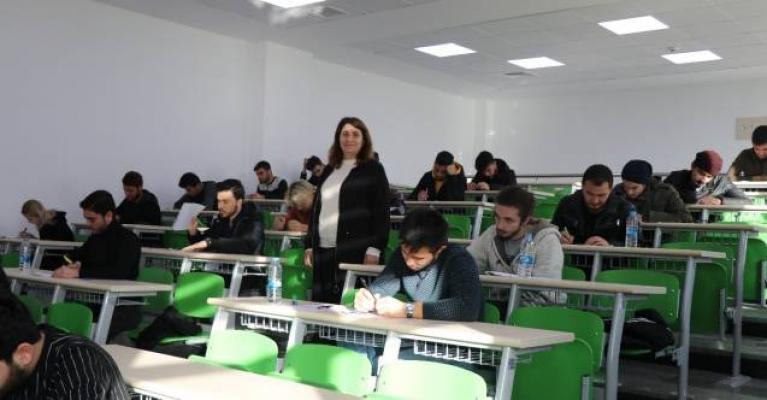Alanya ALKÜ'de yabancı dil yeterlilik sınavı yapıldı