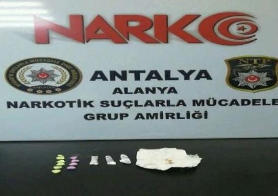 Alanya'da uyuşturucu tacirleri yakalandı