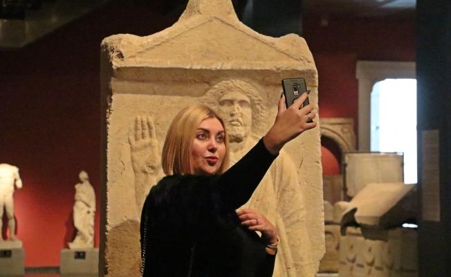 Antalya Müzesi'nde 'selfie' günü