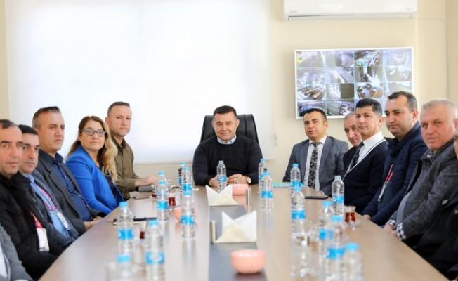 Başkan Yücel müdürler ve şantiye çavuşları ile buluştu