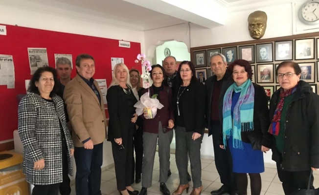Deveci, Alanya'da CHP'li kadınlarla buluştu