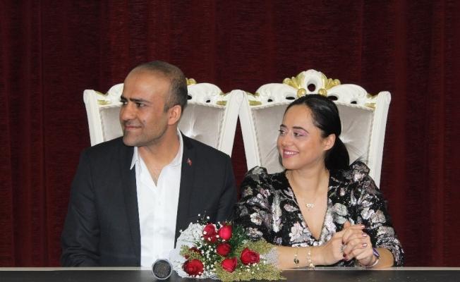 Başkan Lokman Çağırıcı, genç çiftin nikah davetini geri çevirmedi