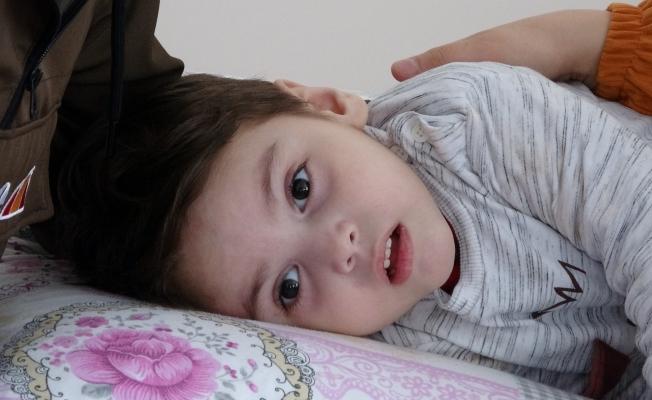 Çocuklarının hastalığına teşhis konulup, tedavi ettirmek istiyorlar