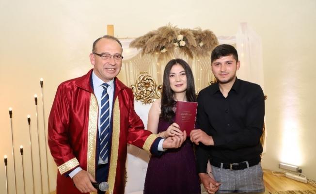 Turgutlu'da Sevgililer Günü'nde 11 nikah kıyıldı