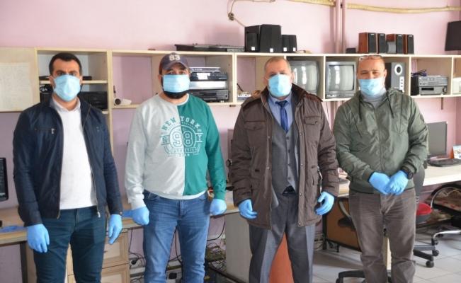 ASYMD'den sahadaki gazetecilere maske ve eldiven