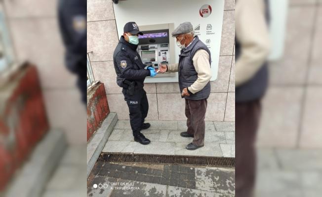 Polis ekiplerinden yaşlılara kesintisiz hizmet