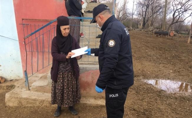 Malatya'da evinden çıkmayan 6 bin 930 kişi polisten yardım istedi
