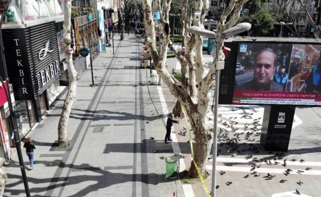 (Özel) Korona tedbirleri kapsamında şerit çekilerek kapatılan Pendik Meydanı havadan görüntülendi