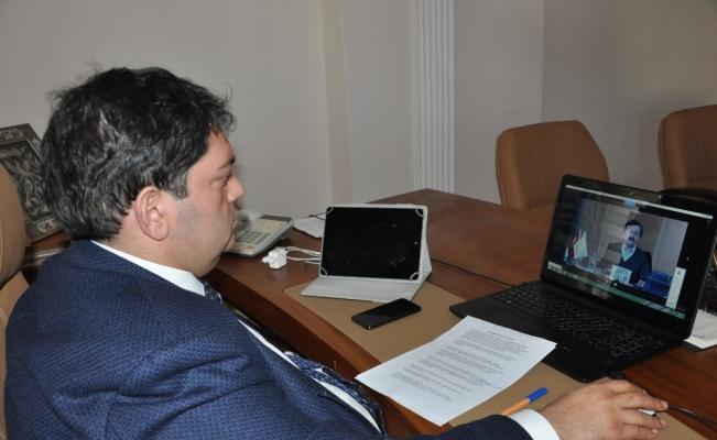 TOBB Yönetim Kurulu Başkanı Rifat Hisarcıklıoğlu, oda ve borsa başkanlarıyla video konferans aracılığı ile görüştü
