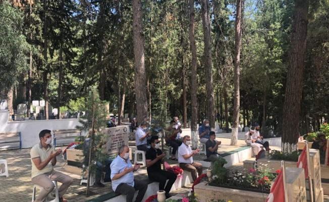 Alanya CHP'den şehitlik ziyareti