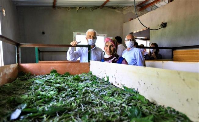 Başkan Gürün ipek böcekçiliği üreticileriyle buluştu