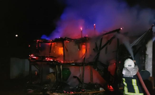 Boğalar Mahallesinde ev yangını