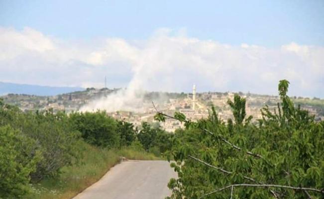 Esad rejimi İdlib'deki köylere saldırdı: 5 yaralı