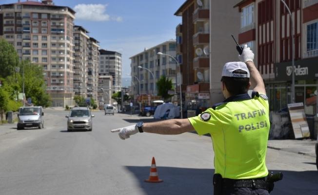 Muş'ta sokağa çıkma kısıtlamasıyla polis denetime başladı