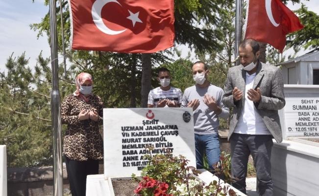 Şehit Murat Sarıgül, şehadetinin 4'üncü yılında kabri başında anıldı