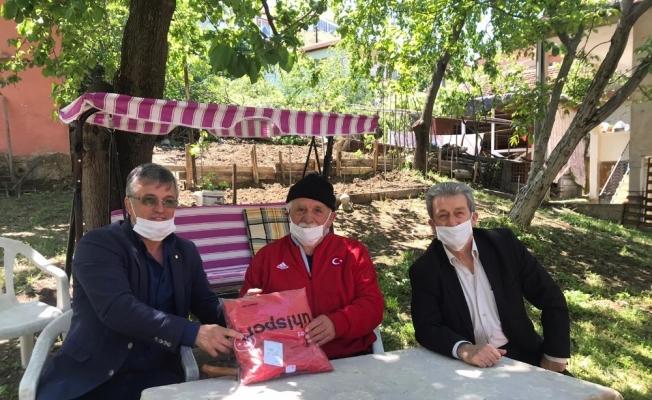 Yalova'da 65 yaş üstü güreşçilere vefa