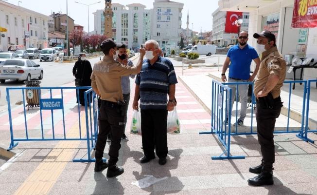 Yozgat'ta maskesi olmayanlar Lise Caddesi'ne alınmadı