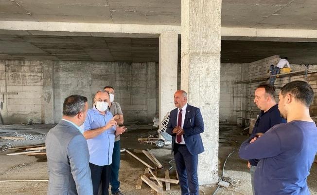 Başkan Türkyılmaz'dan cami inşaatına destek