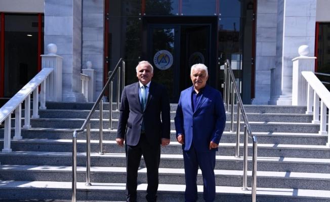 Başkan Zorluoğlu'ndan Avrasya Üniversitesi'ne ziyaret