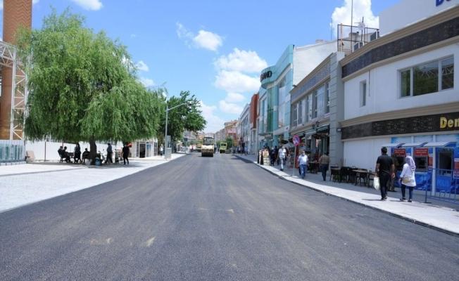 Belediye, Melikgazi Caddesinde asfalt serimine başladı