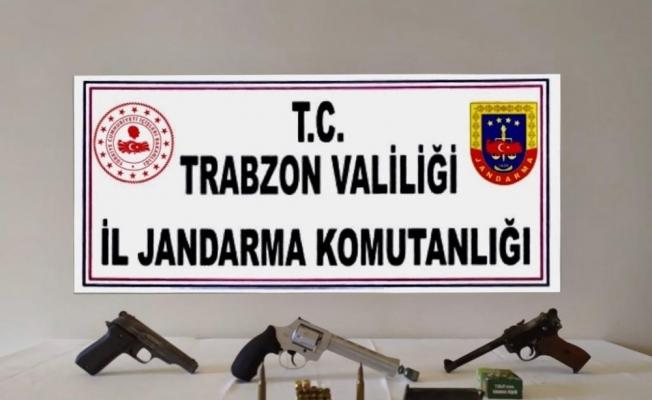 Trabzon'da silah kaçakçılığı