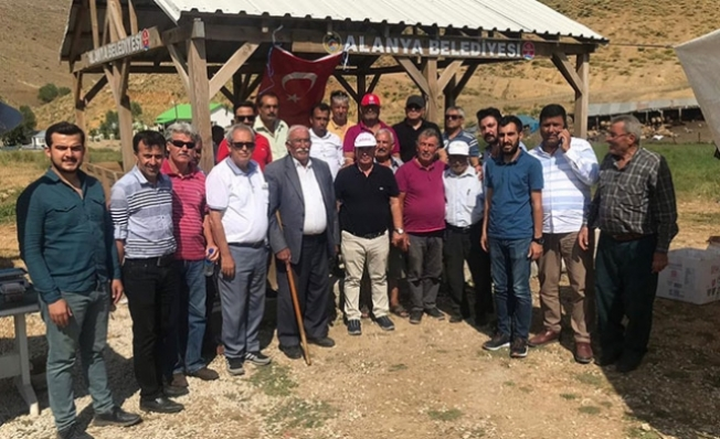 Alanya CHP'den yayla çıkarması