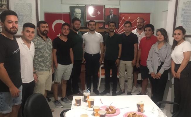 Alanya CHP Gençliği Mahmutlar'da toplandı