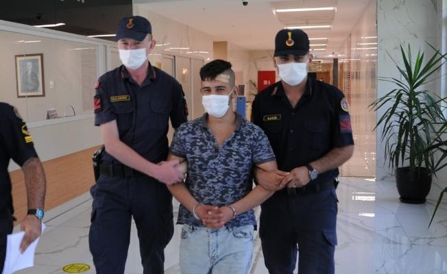 Alanya'da marketten 8 bin TL'lik sigara çalan şahıs yakalandı
