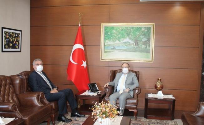 Erdemir Genel Müdürü Oral, Vali Tutulmaz ile görüştü