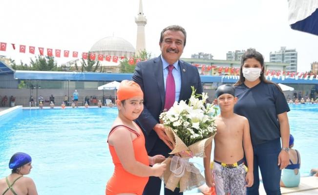 Havuzlar çocuklarla şenlendi