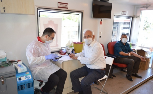 Kırıkkale'de Türk Kızılayına kan bağışı