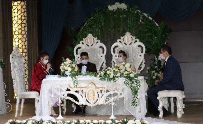 Konferans salonunda artık nikah işlemleri de yapılacak
