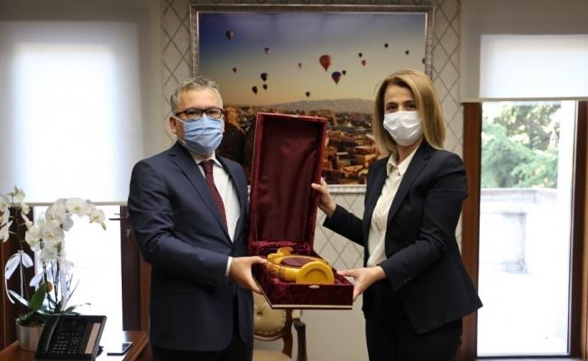 Niğde Valisi Yılmaz, Nevşehir Valisi Becel'i ziyaret etti