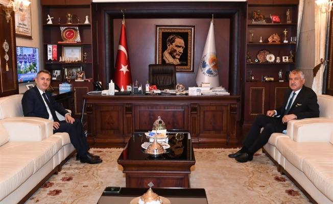"""Vali Elban: """"Kentin kalkınmasında yerel yöneticilerle işbirliği içinde olacağız"""""""