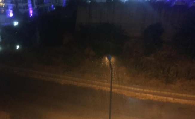 Alanya'da beklenen yağmur geldi