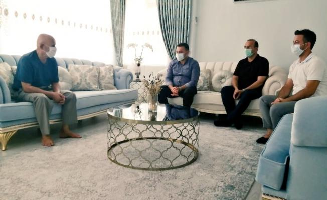 Başkan Yücel'den şehit ailelerine ziyaret