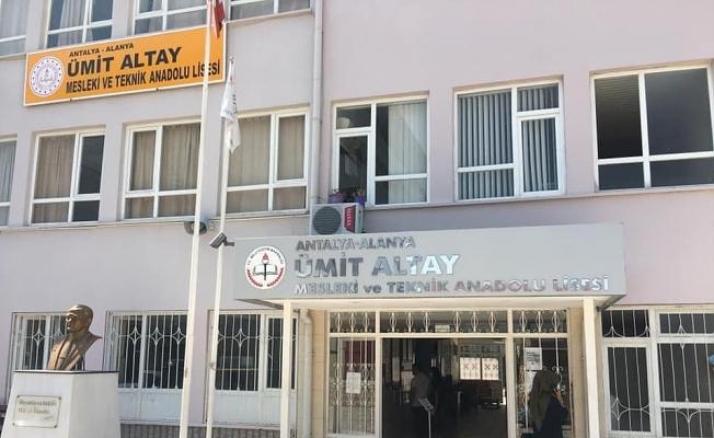 İşte Alanya'da iş ve burs garantili okul!