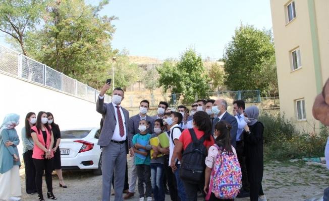 Bakan Selçuk'un danışmanının Bitlis ziyareti