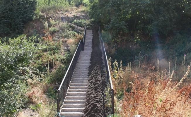 Bitlis Belediyesi merdivenleri yeniliyor