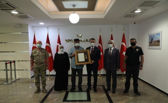 Bitlis'te şehit ailesine 'Devlet Övünç Madalyası' verildi