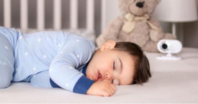 Çocuğunuz ağzı açık uyuyorsa dikkat!