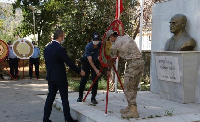 """Hizan'da """"19 Eylül Gaziler Günü"""" dolayısı ile tören düzenledi"""